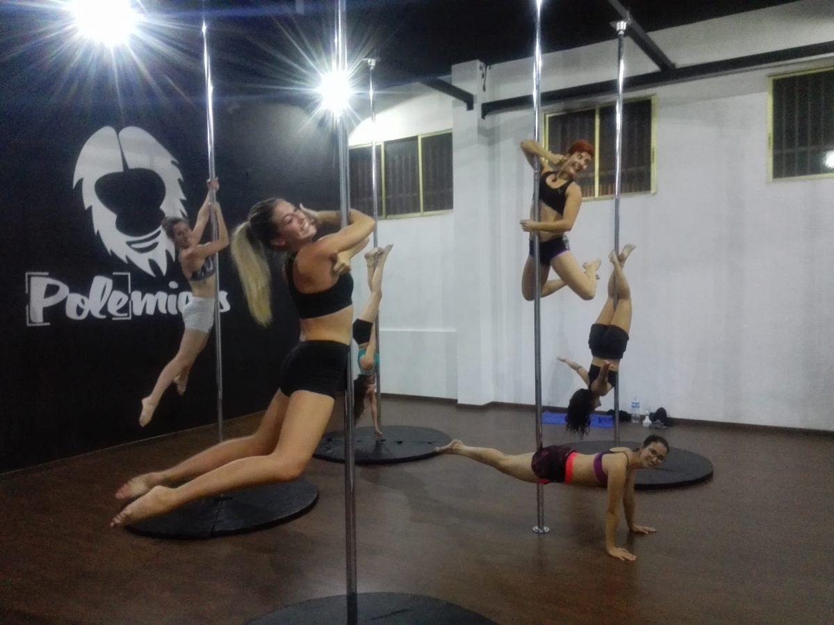alumnas clases de Pole dance